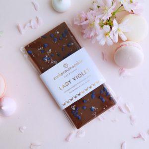 Handgeschöpfte Schokolade mit kandierten Veilchen & Fleur de Sel